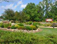 Stroll Montesian Garden